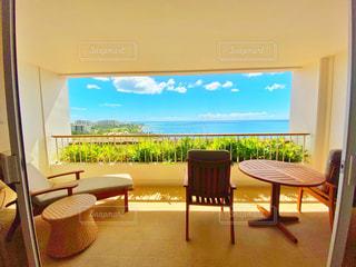 窓から見えるオーシャンビュー 高級リゾートの写真・画像素材[3261481]