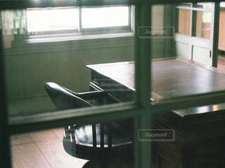 ガラスのドアの写真・画像素材[909256]
