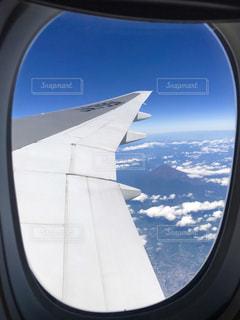 飛行機の窓の写真・画像素材[866049]