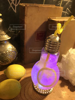 電球ドリンクの写真・画像素材[954753]