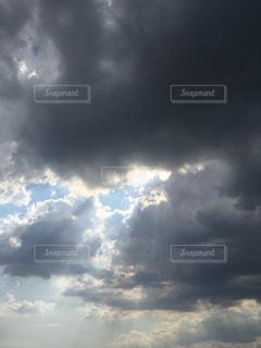 空から光の写真・画像素材[2127200]