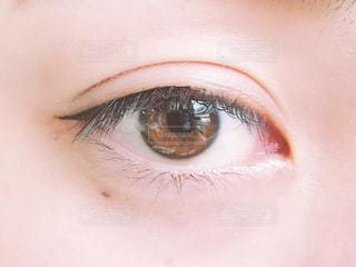 アイライナーと目(正面)の写真・画像素材[1653826]