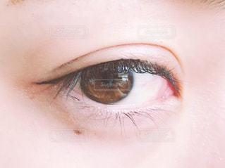 アイラインと目(斜め)の写真・画像素材[1653827]