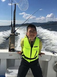 ボートに乗るは時は、必ず救命胴衣を着用しよう! - No.1103234
