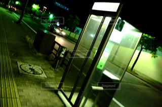 緑の光で建物の写真・画像素材[892936]
