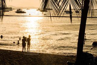 パタヤのビーチにての写真・画像素材[1080651]