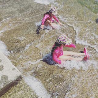#川遊び#川#水着#kids #kidstyle #mykids #冷たい#自然#はしゃぐ #クロックスの写真・画像素材[528761]