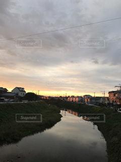 朝日が昇るの写真・画像素材[2173656]