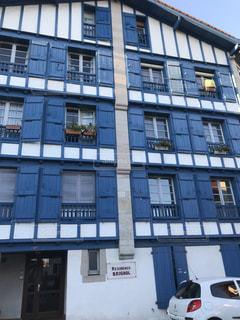 フランスの田舎の建物の写真・画像素材[2311538]