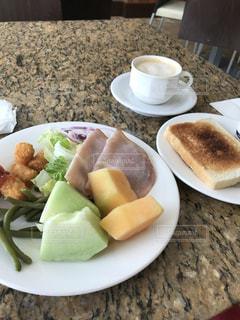 グアム某ホテルにて朝食をの写真・画像素材[2311541]
