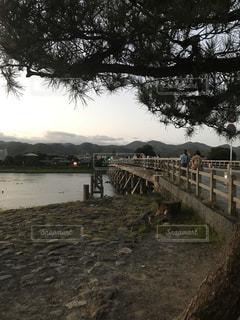 渡月橋と夕暮れの写真・画像素材[3107191]