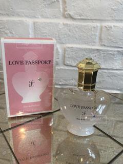 デートや友達と会う時につけたい香水♡の写真・画像素材[2371815]