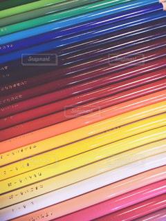 色鉛筆で虹の写真・画像素材[556899]