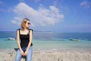海と女性の写真・画像素材[2292509]