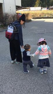 はじめてのお散歩の写真・画像素材[1000149]