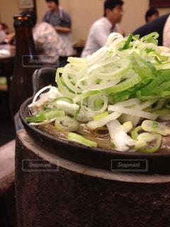 ブロッコリーと食品のボウルの写真・画像素材[1602702]