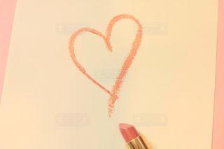 近くにピンクの壁のアップの写真・画像素材[1633423]