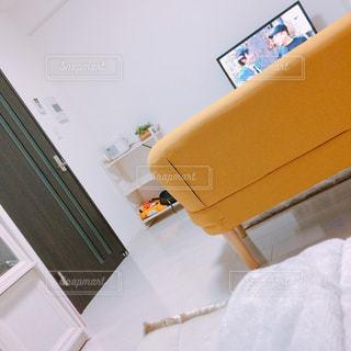 部屋のベッド - No.1000365
