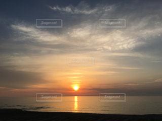 太陽 夕陽 sunsetの写真・画像素材[528013]