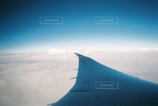 写ルンですで切り取る上空の写真・画像素材[1560540]