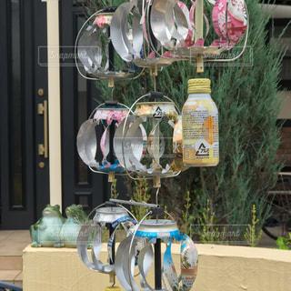 空き缶を使って素敵な風鈴、夏の風景の写真・画像素材[2262242]