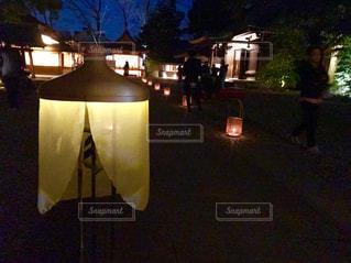 夜はライトアップ ランプの写真・画像素材[923030]