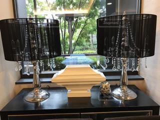 テーブル ワインのグラスの写真・画像素材[1072840]