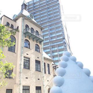大きな白い建物の写真・画像素材[2743489]