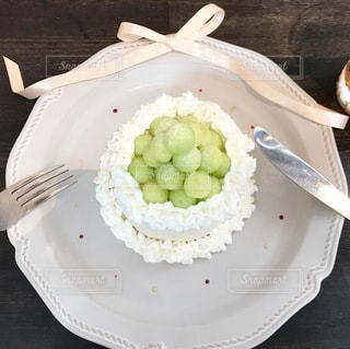 皿の上のケーキの写真・画像素材[3442467]