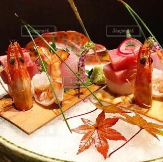 食卓の上の食べ物の写真・画像素材[3810041]
