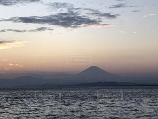 夕日と富士山の写真・画像素材[850192]
