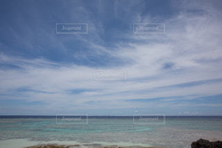 遠浅の海、絶景の写真・画像素材[1321008]