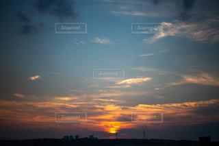 沈む夕日の写真・画像素材[1324789]