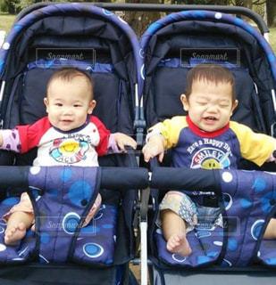双子の子供の写真・画像素材[748602]