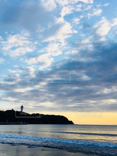 江ノ島海岸の夕焼けの写真・画像素材[864424]