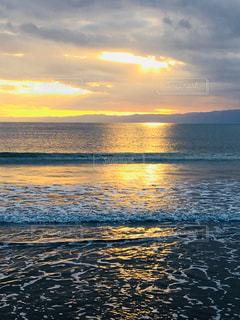 江ノ島海岸の夕焼けの写真・画像素材[864426]