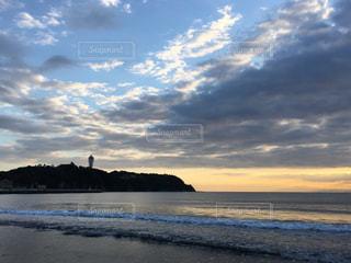 江ノ島海岸の夕焼けの写真・画像素材[864429]