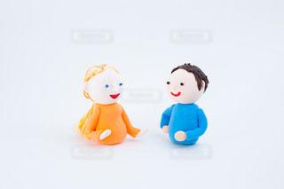 国際カップルのコミュニケーション @手作り紙粘土人形の写真・画像素材[2720549]
