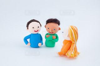 外国人とのコミュニケーション @手作り紙粘土人形の写真・画像素材[2720571]