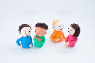 外国人とのコミュニケーション @手作り紙粘土人形の写真・画像素材[2720576]