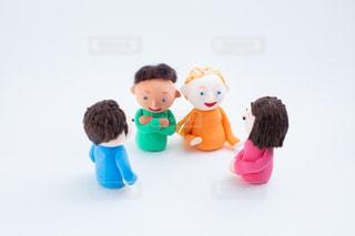 外国人とのコミュニケーション @手作り紙粘土人形の写真・画像素材[2720577]