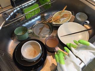 皿洗い前のシンクの写真・画像素材[827332]