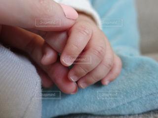 赤ちゃんの手の写真・画像素材[820302]