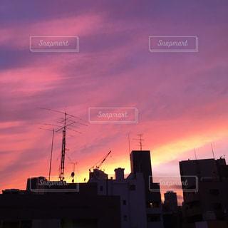 夕暮れ時の都市の景色の写真・画像素材[737737]