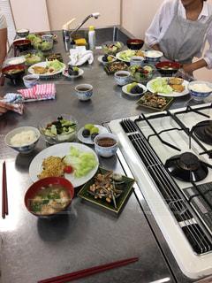 食品の完全なテーブルの写真・画像素材[747420]