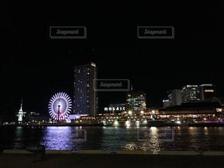 クロック タワーは夜ライトアップの写真・画像素材[902816]