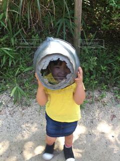 帽子をかぶった小さな女の子の写真・画像素材[1531504]