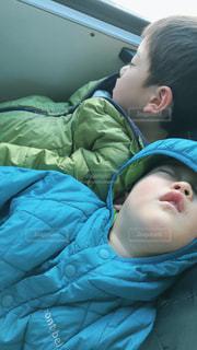 バスでお昼寝の写真・画像素材[1789066]