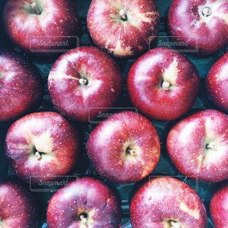 赤いリンゴの写真・画像素材[946297]