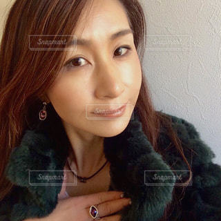 selfie を取る女性の写真・画像素材[960622]